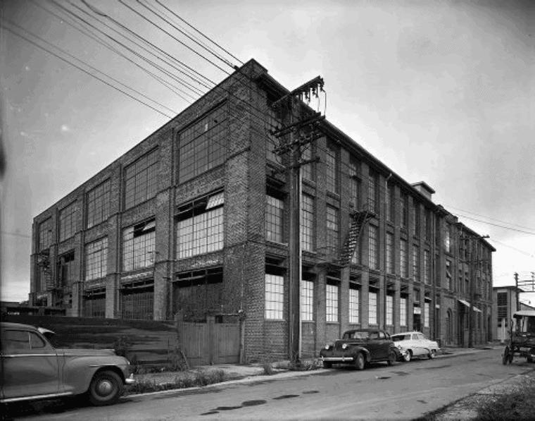 Vintage photo of 511 Marigny apartment building